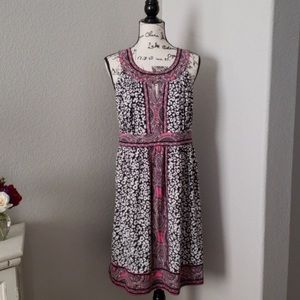Cute flare dress, with great neckline.